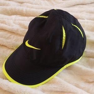 Like New!  NIKE Court Aerobill Dri-Fit Hat